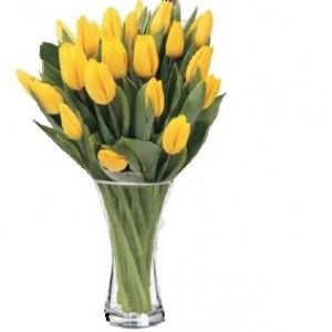 Florero de tulipanes